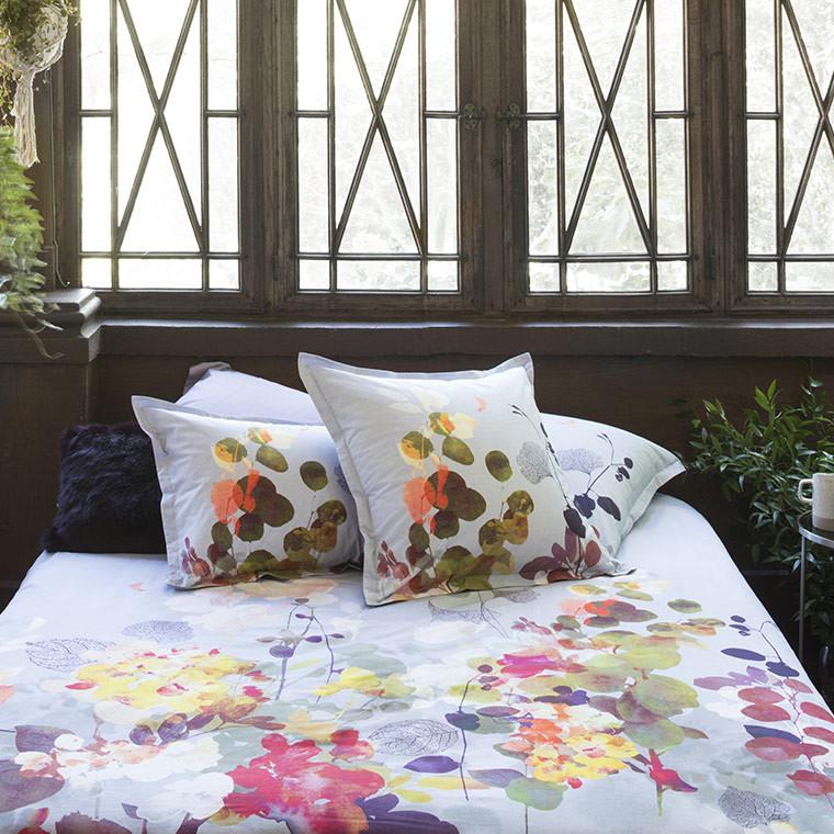 housse de couette amarante carre blanc. Black Bedroom Furniture Sets. Home Design Ideas