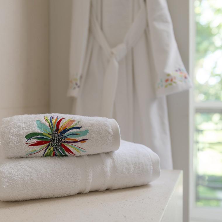 drap de bain fiesta carre blanc. Black Bedroom Furniture Sets. Home Design Ideas