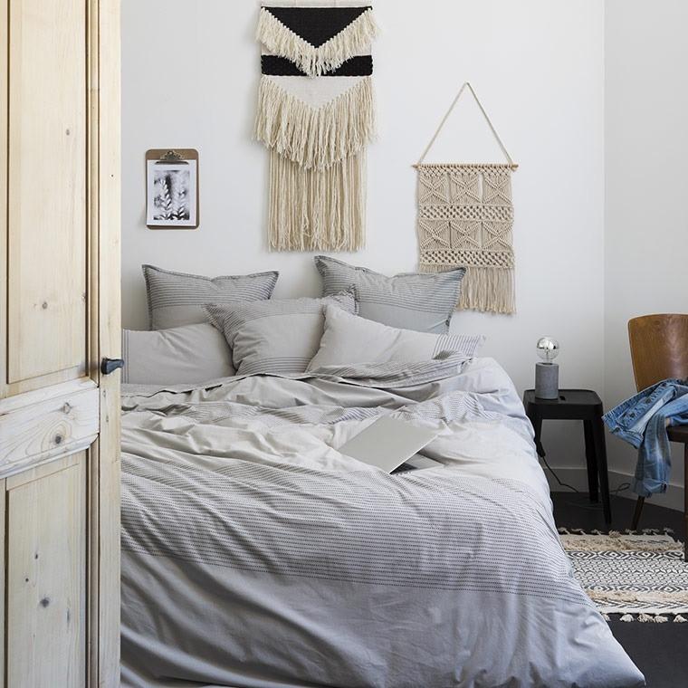 housse de couette leandre carre blanc. Black Bedroom Furniture Sets. Home Design Ideas