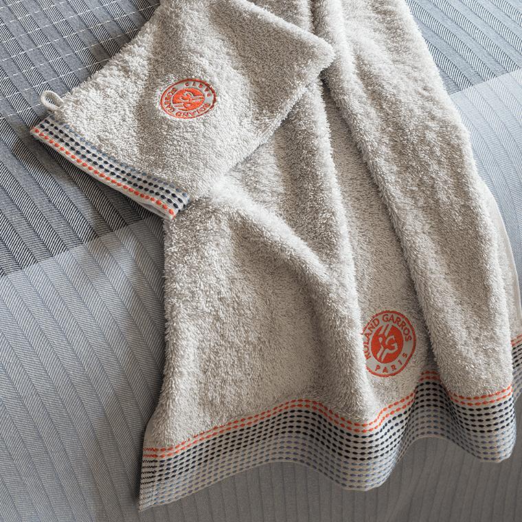 drap de bain auteuil roland garros gris carre blanc. Black Bedroom Furniture Sets. Home Design Ideas