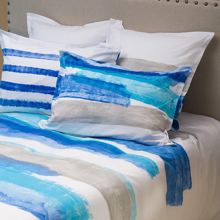 Housse de couette imprim e bandes de couleurs bleu blanc gris for Housse couette 260x240