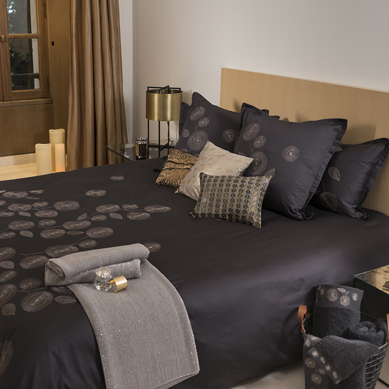 housse de couette adelys carre blanc. Black Bedroom Furniture Sets. Home Design Ideas
