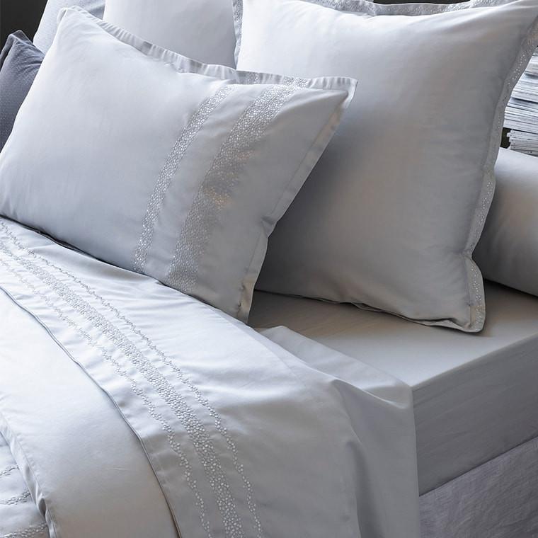 Drap de lit satin de coton brodé Irina perle
