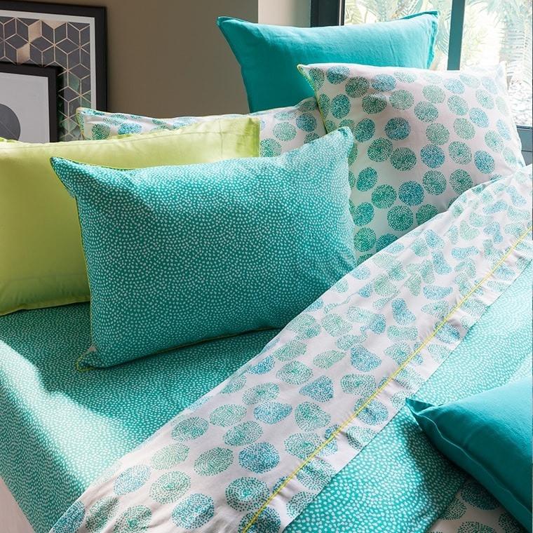 parure de lit margaux parures de lit fantaisie carre blanc. Black Bedroom Furniture Sets. Home Design Ideas