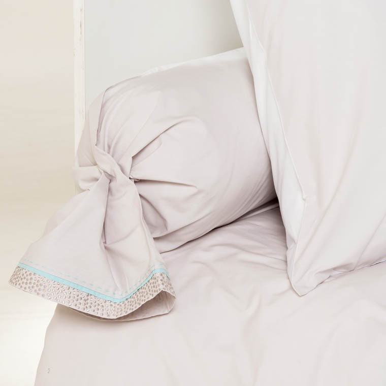 taie de traversin pearl carre blanc. Black Bedroom Furniture Sets. Home Design Ideas