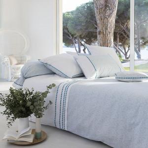 housse de couette carr blanc parures et housses de couette. Black Bedroom Furniture Sets. Home Design Ideas