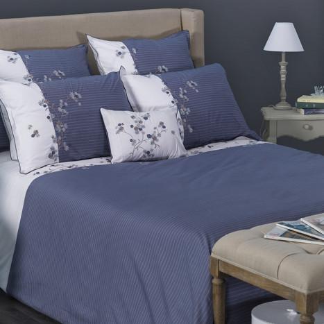 drap et parure de lit. Black Bedroom Furniture Sets. Home Design Ideas