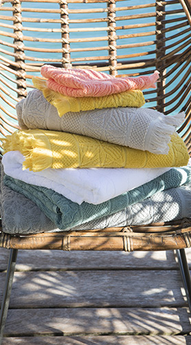 linge de bain serviettes de toilette draps de bain. Black Bedroom Furniture Sets. Home Design Ideas