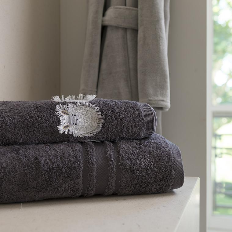 blanc d 39 hiver carr blanc linge de maison lit bain table. Black Bedroom Furniture Sets. Home Design Ideas