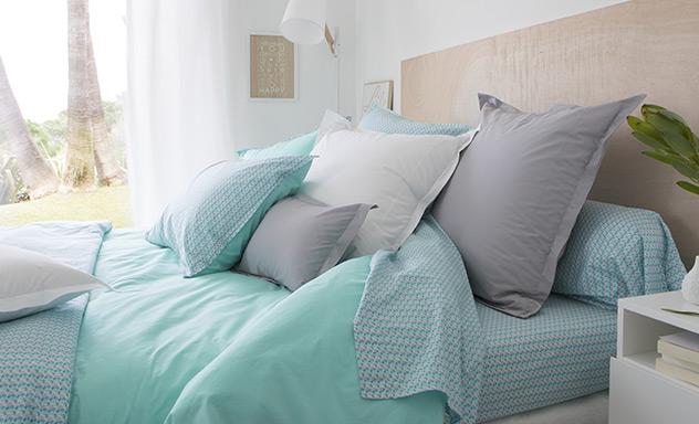 linge de maison carr blanc linge de lit de bain et de. Black Bedroom Furniture Sets. Home Design Ideas